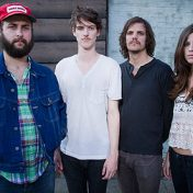 {sunday sounds} on the road | houndmouth