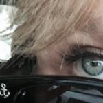 FB_anchor eye